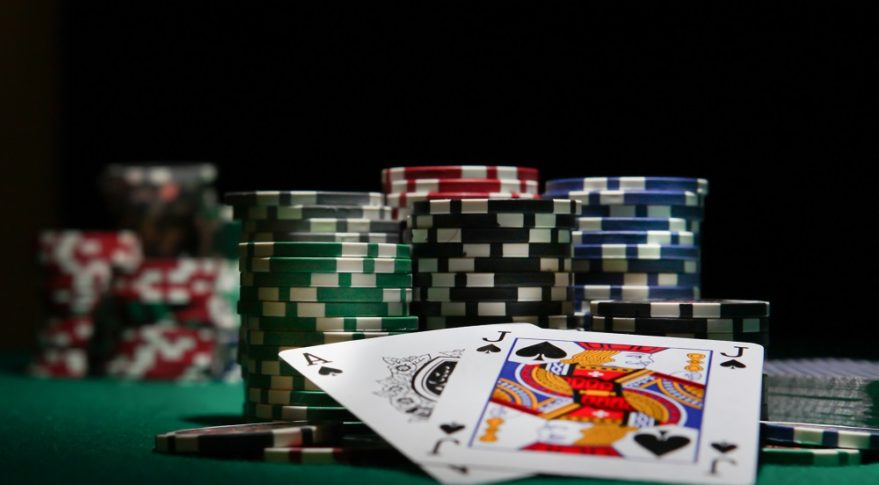 Get Away with Few Online Casino Bonuses when playing Blackjack games!